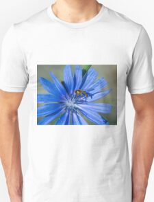 Summer time flower and bee Unisex T-Shirt