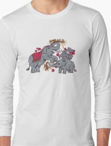Thai elephants family Long Sleeve T-Shirt