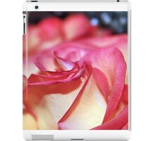 DAMAGED ROSE iPad Case/Skin