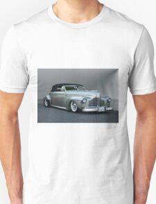 1941 Buick Custom Roadmaster Convertible Unisex T-Shirt