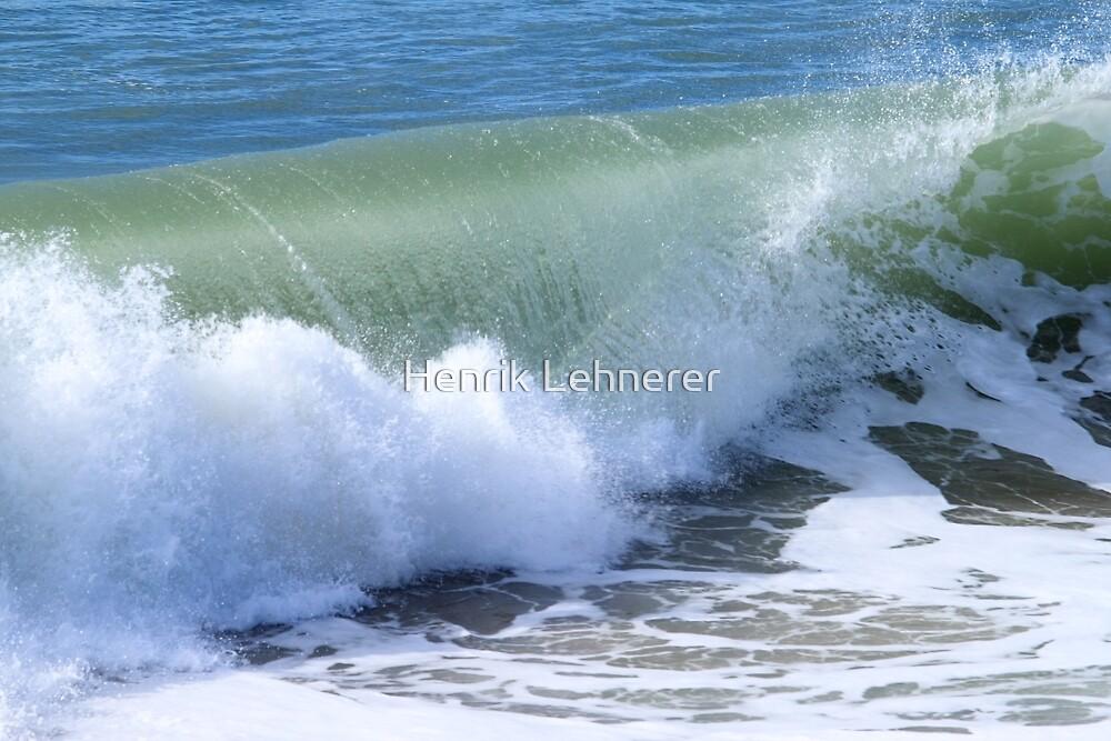 Wave by Henrik Lehnerer