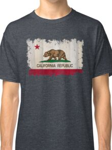 California Republic state flag - distressed edges on spruce planks Classic T-Shirt