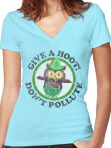 Woodsy The Owl Women's Fitted V-Neck T-Shirt