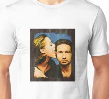 Gillian licks David's face Unisex T-Shirt