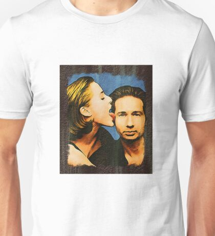 Gillian licks David's face Unisex T-Shirt