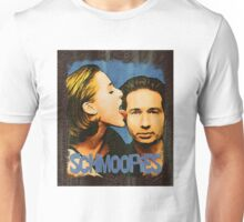 Gillian licks David's face / Schmoopies Unisex T-Shirt