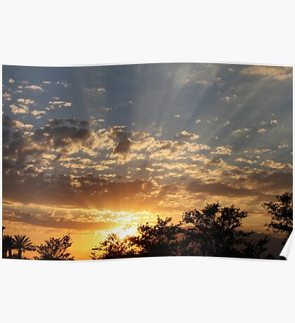 A burst of sun rays at sunset.. Poster