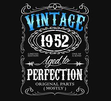 Vintage 1952 aged to perfection 64th birthday gift for men 1952 birthday Unisex T-Shirt