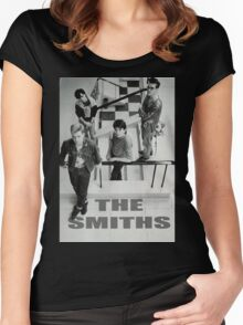 THE SMITH Women's Fitted Scoop T-Shirt