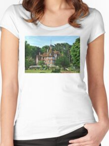 Glamour & Elegance Women's Fitted Scoop T-Shirt