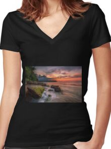Rocky Beach Sunset Women's Fitted V-Neck T-Shirt