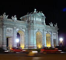 Puerta de Alcalá - madrid by Lesleymc77