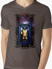 Space And Time traveller Box that More Bigger on the inside Mens V-Neck T-Shirt
