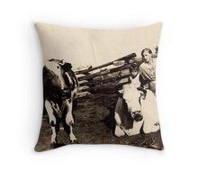 farm friends Throw Pillow
