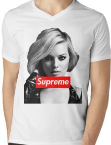 Margot Robbie Supreme B&W  Mens V-Neck T-Shirt