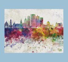 Milwaukee V2 skyline in watercolor background Kids Tee