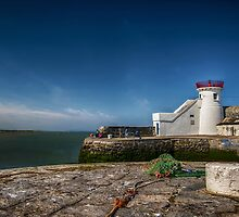 Balbriggan lighthouse by Zokakelt
