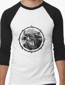 Vintage Cattle Head in Barb Wire frame - Woodcut Men's Baseball ¾ T-Shirt