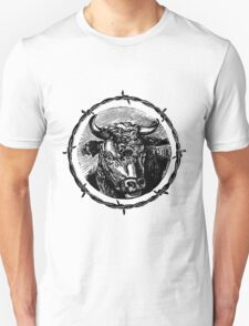 Vintage Cattle Head in Barb Wire frame - Woodcut T-Shirt