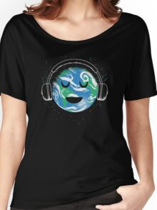 The whole earth loves music  Women's Relaxed Fit T-Shirt