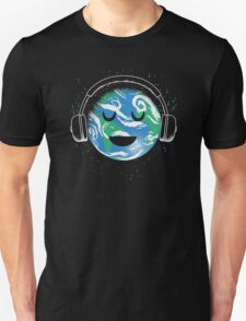 The whole earth loves music  Unisex T-Shirt