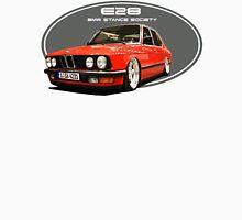 BMW E28 Stance red-4 T-Shirt