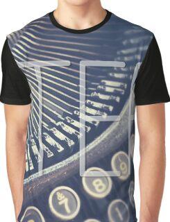 Vintage Typewriter Retro Hipster Design  Graphic T-Shirt