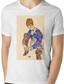 Egon Schiele - Portrait of the Artists Wife Seated, Holding Her Right Leg 1917  Mens V-Neck T-Shirt