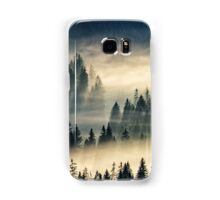 coniferous forest in foggy mountains Samsung Galaxy Case/Skin