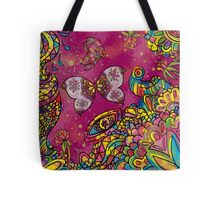 Sommerwiese bei Tag Tote Bag