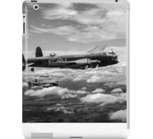 617 Squadron Tallboy Lancasters black and white version iPad Case/Skin