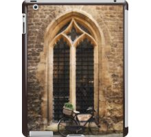 The Vaults Garden Cafe Bicycle, Oxford, England iPad Case/Skin