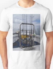 Weapons of fish destruction Unisex T-Shirt