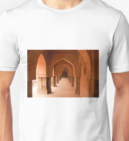 Archways, pillars and the long corridor of an old Baoli Unisex T-Shirt