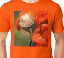 Red Parrot, the Scarlet Macaw – portrait Unisex T-Shirt