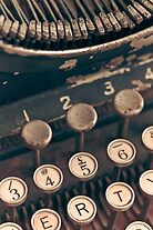 Vintage Typewriter by lightwanderer