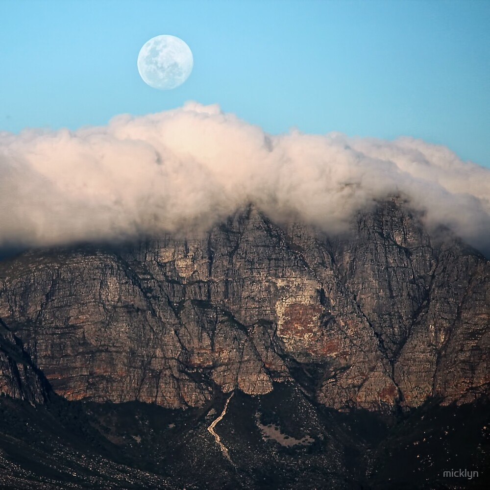 The Mountains and the Moon by micklyn