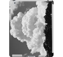 Black And white Sky With Building Thunderhead Storm Clouds iPad Case/Skin
