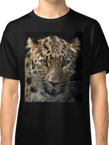 face to face with the panther Classic T-Shirt