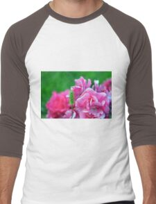 Natural background with pink roses and green leaves. Men's Baseball ¾ T-Shirt