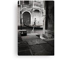 Signore Gondolier Canvas Print