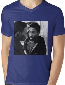 BISHOP AND Q Mens V-Neck T-Shirt