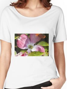 blooming magnolia flowers in spring Women's Relaxed Fit T-Shirt