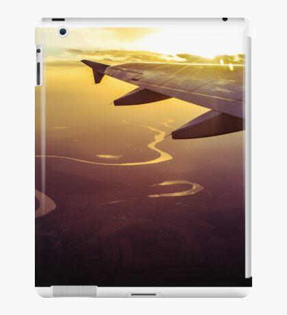 Snake river under plane wing at sunset iPad Case/Skin