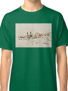 Crab on the beach Classic T-Shirt