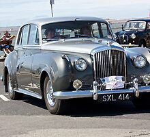 Vintage Two-Tone Bentley, West Kirby, July 2014 by Block123