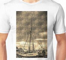 Thames Sailing Barge vintage Unisex T-Shirt