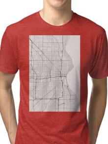 Milwaukee, USA Map. (Black on white) Tri-blend T-Shirt