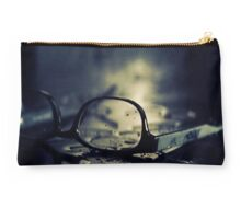 black glasses Studio Pouch