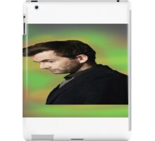 """David Tennant """"hippie"""" background iPad Case/Skin"""